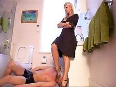 wc puhastaja 3 - video - femdom kinnismõte toru