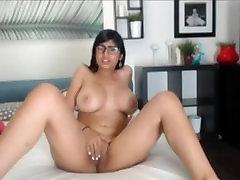 mia khalifa cam masturbing