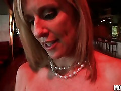 Foxacious Ex Girlfriend eagerly plugs an angry cock on her sexylicious mouth
