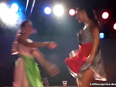 vähe capricce lesbi live show