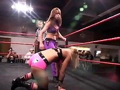 Pro Women wrestling Blonde v Brunette