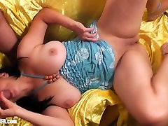 Munching Moms Mudflaps. Licking Britneys MILF Pussy & Cumshot on big tits
