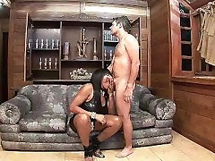 HORNY LATINA SHEMALE FUCKS GUY IN HIS TIGHT ASS