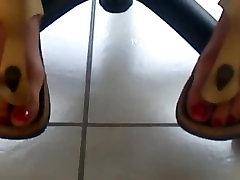 fingerdesi girl mature