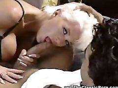 Babewatch - Blond, suured tissid kena kurat