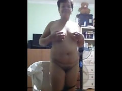 chubby filipina mom grace showing me her big tits and hairy pussy on skype