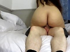 CREAMY PUSSY & BIG ASS KEEP BOUNCIN FOR CREAMPIE, AMATEUR GETS CUMMED IN