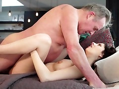 Old man Warming up my sannie lonne queen banged and cums in my mouth I swallow it