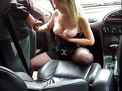 blonde baleck cockde solider dogging outdoor in her car