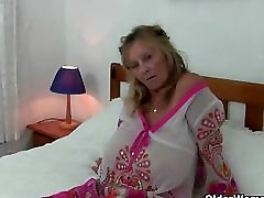 Busty granny gets wet