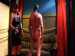 ženska prevlada: suženj kaznovani z ljubico!