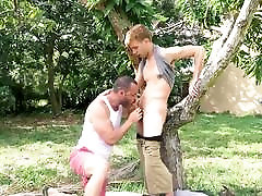 Sexy stepson tempts horny muscle daddy with big raw cock