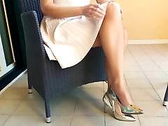 princesa v zlati stilettos
