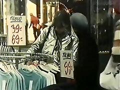 Hottest Black and Ebony, Vintage deep inside anus itchings scene