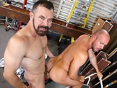 tecar xnxx men fucks at work