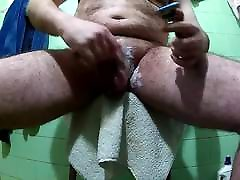 shaving me to go out naked