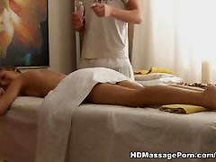 Foxy lady masturbated un fucked