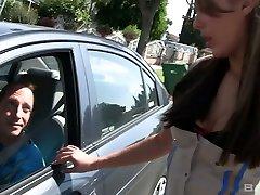 pohoten latina policaj ella milano dobi njen mesnat muco zajebal, misijonar