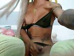liels goot sexx meitene ir jaunu izskatu