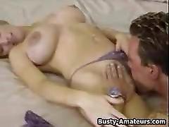 busty amatieru meiteni, marija, dod blowjob un kļūst fucked