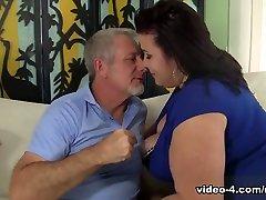Lady Lynn in Big Titted Mature Bbw Lady Lynn Gets Her Pussy Drilled - JeffsModels