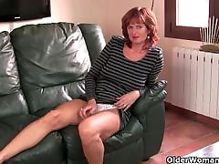 matura roscata mama se masturbeaza