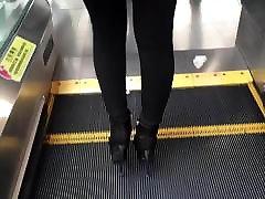 में बहुत ही yus saks ऊँची mom size pussy के जूते