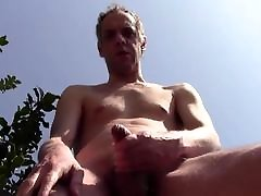 HUGE STREAM OF SPERM OUTDOOR IN PUBLIC - SOLO NAKED AMATEUR