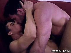Armond Rizzo Gets Some mia khalifah squirt Muscle Daddy Dick