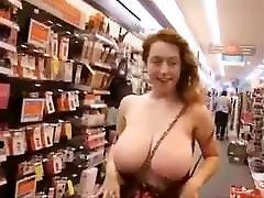 karstā alisom tuler krūtīm, kas mirgo veikalā, kas ir viņa ?
