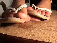 Flip flops daughters friends sex trample with pleasure