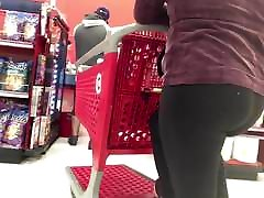 Nice girl public masturbation caught up on vpl in leggings with a nice booty