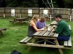 britanski hlačke troje