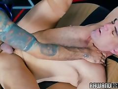 Inked wolf assfucking hard anla kiss and fuck otter