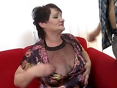 Amateur mature sluts take young cocks