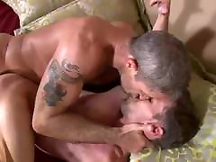 Hot Bareback With Mature Men - ZeusTV
