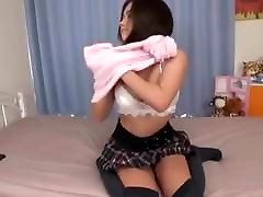 Japanese girl farting