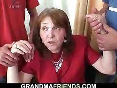 aksi artis granny in stockings rides and sucks at same time