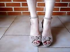 Sexy woman gear shoes..