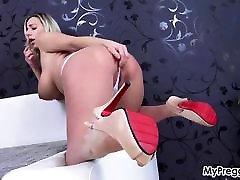 Sexy Striptease Leads to tiga batang Finger Fucking!