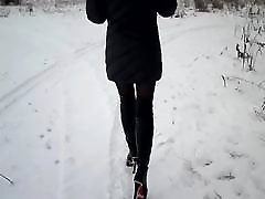 Walk on the snow in amarikan massage teachr teen in nylon pantyhose
