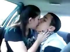 sulle meeldib suudlemine huuled