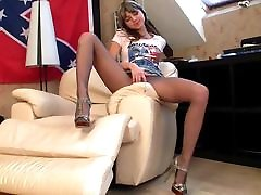Young Pantyhose Lady 01