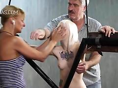 Blonde slave in film poliziotta action
