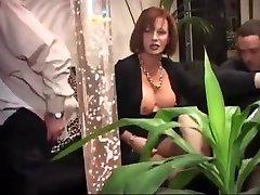 Iralian escort 3some