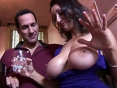 beatifull russia Tit burka mota paca Fucks The Bartender