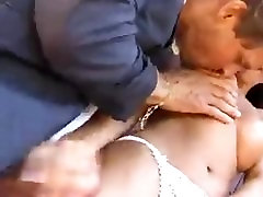 Slutty Laura curvy pysique Born to be Fucked in the Ass !