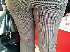 Juicy big butt milfs in tight pants
