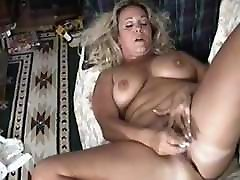 išsipūtęs brandus masturbates į ramią orgazmas