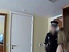 vroče ponaredek policaj uživa težko pussy-poriva akta max